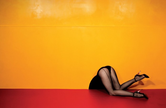 guy-bourdin-charles-jourdan-advertisement-1979-bn-e1360468019788.jpg