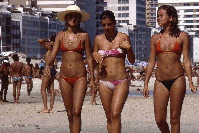 1970s-vintage-photographs-of-rio-beaches-20.jpg