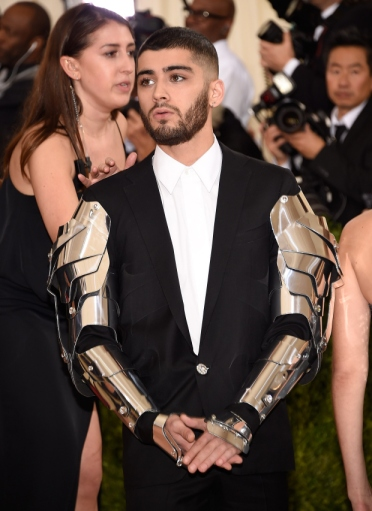 "NEW YORK, NY - MAY 02: Zayn Malik attends ""Manus x Machina: Fashion In An Age Of Technology"" Costume Institute Gala at Metropolitan Museum of Art on May 2, 2016 in New York City. (Photo by Kevin Mazur/WireImage)"