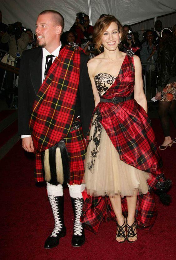 Met-Gala-2006-Alexander-McQueen-Sarah-Jessica-Parker1.jpg1